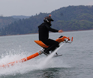 Flying Water Bike, Jetovator