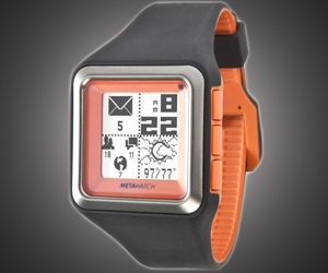 MetaWatch Strata for the Social Wrist