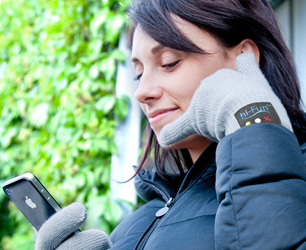 Hi-Call Bluetooth Gloves by hi-Fun