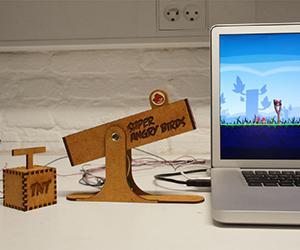 Super Angry Birds : USB Slingshot