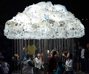 Interactive Cloud: 6,000 Light Bulbs
