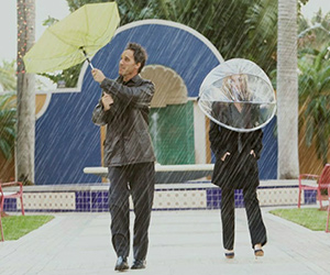 Hands Free Umbrella: Nubrella