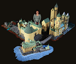 Lego Hogwarts With 400,000 Bricks